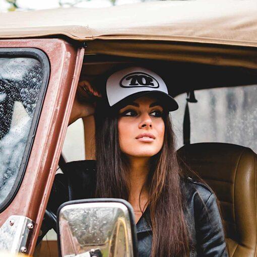 70s Trucker Cap Black White Model