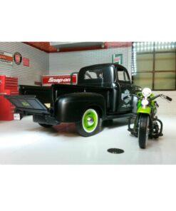Harley Davidson 1948 Panhead/Ford 1948 F-1 Pickup - Scale 1:24 Maisto Rear.